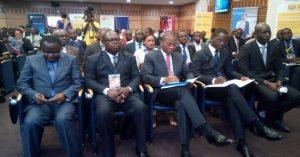 Un aperçu des officiels avec au centre le ministre Koné Bruno